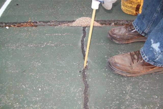 Piretti Tennis crack repair examples
