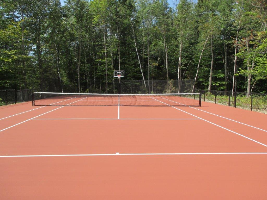 Tennis court installation by Piretti Tennis